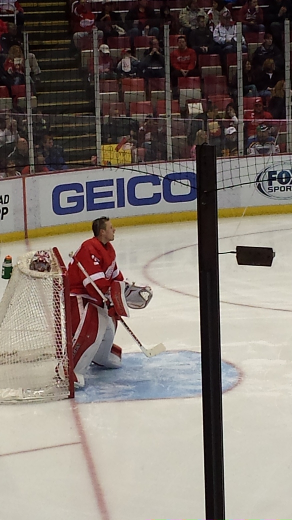 Jimmy Howard warms up